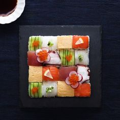 Sushi in easy Tasty, Yummy Food, Korean Food, Food Design, Japanese Food, No Cook Meals, Asian Recipes, Food Art, Food Videos