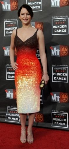 Jennifer Lawrence, Katniss, Hunger Games, gradient.