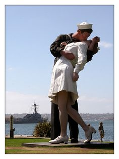 Unconditional Surrender Statue | San Diego, California....so happy they brought this statue back, it shoulda never left SD in the first place!