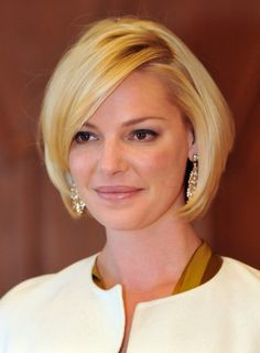 Katherine-Heigl-Short-Straight-Bob-Haircut-for-Women Popular Short Hairstyles for Women 2019 Bob Haircuts For Women, Short Bob Haircuts, Short Hair Cuts For Women, Haircut Short, Hairstyle Short, Short Cuts, Popular Short Hairstyles, Layered Bob Hairstyles, Cool Hairstyles