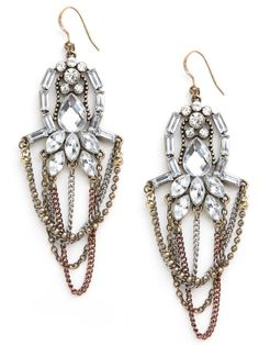 Wish I wasn't afraid of long earrings, these are to die.