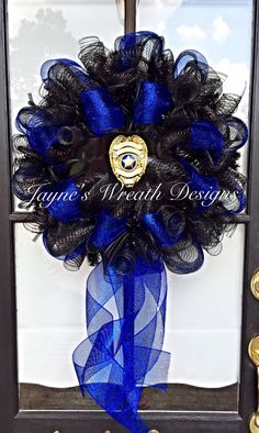 Law Enforcement/ Police/ Thin Blue Line Wreath Jayne's wreath designs on FB… Diy Wreath, Wreath Ideas, Wreath Making, Camo Wreath, Wreath Crafts, Police Wedding, Police Crafts, Deco Mesh Wreaths, Burlap Wreaths