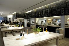 Vapiano Italian cuisine: fast food service with slow food quality. A tasteful interior design for a tasty eating experience; food preparation as a performing art