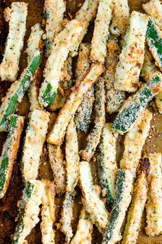 You better believe it. This delicious recipe for baked zucchini fries will be a crowd pleaser. Bake Zucchini, Zucchini Fries, Beef Recipes, Vegan Recipes, Ic Recipes, Zuchinni Recipes, Veggie Fries, No Calorie Foods, Keto Foods