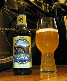 A closer look at Deschutes Chainbreaker which is a  Belgian IPA – 5.6% ABV – 55 IBU.