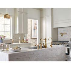 Kitchen Layout, New Kitchen, Kitchen Decor, Kitchen Ideas, Petite Kitchen, Kitchen Lamps, Eclectic Kitchen, Gold Kitchen, Kitchen Small