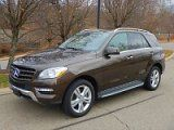 2015 Mercedes Benz ML350 4-MATIC - $33,800