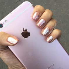 """5,964 Likes, 21 Comments - +7(919)7777-2-79MOSCOW (@nail_sunny) on Instagram: """"Pink gold chrome @eleonoramovs стоимость: маникюр 200₽, покрытие 700₽, втирка 50₽=1400₽мастер…"""""""