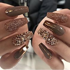 Elegant Rhinestones Coffin Nails Designs We have collected 130 + elegant Rhinestones coffin nails for you. Enjoy these beautiful nail art and welcome your Inspiration erupted! Glam Nails, Classy Nails, Stylish Nails, Beauty Nails, My Nails, Cute Acrylic Nails, Glitter Nail Art, Cute Nails, Pretty Nails