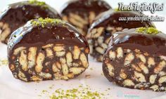 Mosaic cake recipe of 3 ingredients, how to do? Diet Recipes, Cake Recipes, Best Organic Coffee, Chocolate Slice, Turkish Kitchen, Recipe Sites, Serving Plates, 3 Ingredients, How To Make Cake