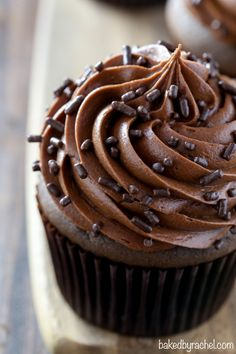 Moist homemade chocolate cupcakes, topped off with silky chocolate cream cheese frosting! Rich and dreamy cupcakes, perfect for any chocolate fan! Frosting Recipes, Cupcake Recipes, Baking Recipes, Dessert Recipes, Desserts, Buttercream Frosting, Gourmet Cupcakes, Yummy Cupcakes, Mocha Cupcakes