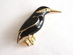 VINTAGE 80 S GOLD TONE GLOSSY BLACK ENAMEL BIRD CRYSTAL BROOCH