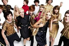 My fav models Agyness and Lily Donaldson in Burberry campaign Lily Donaldson, Edie Campbell, Alex Pettyfer, Eddie Redmayne, Mario Testino, V Magazine, Laura Fraser, Vanity Fair, Vogue Paris