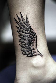Tatuagem de Asas para mulheres