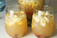 White Sangria to Sweeten up your Summer | Tasting Notes