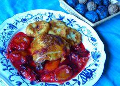 Itt a szilva szezon, ne hagyjátok ki ezt a receptet! Fantasztikus őszi ízek keverednek a tányéron, petrezselymes krumplifánkkal kiegészítve.