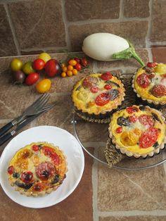 NoCarb paradicsomos-padlizsános- mini pite | Klikk a képre a receptért! Minion, Muffin, Breakfast, Food, Breakfast Cafe, Muffins, Essen, Minions, Yemek