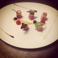 Gerookte eendenborst zoeteaardappel aceto roodfruit en truffelmayo