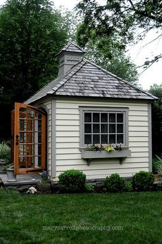 tiny cottage a great exterior look that could suit any Tiny House on wheels (or on a foundation) - To connect with us, and our community of people from Australia and around the world, learning how to live large in small places, visit us at Small Cottages, Cabins And Cottages, Tiny House Movement, Cozy Cottage, Cottage Style, Tiny House On Wheels, Earthship, Little Houses, Play Houses