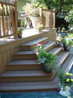 Farmhouse Front Porch Steps Ideas - Page 13 of 39 - Home Decor Ideas Front Porch Steps, Deck Steps, Farmhouse Front Porches, Front Deck, Big Deck, Porch Stairs, Outdoor Stairs, Deck With Stairs, Backyard Patio