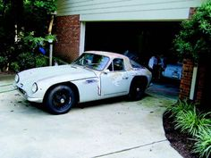 Today on the blog: A #barnfind TVR #Vixen. Source - Mitch Goldstein/ 50 Shades of Rust