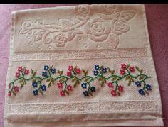 Cross Stitch Art, Cross Stitch Designs, Cross Stitching, Cross Stitch Patterns, Hand Embroidery, Diy And Crafts, Towel, Creative, Needlepoint Patterns