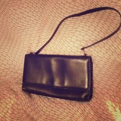 Authentic Coach bag Simple and elegant gently used Coach bag. Coach Bags