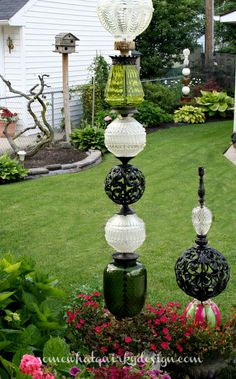Backyard Garden Inspiration Somewhat Quirky: How To Build A Glass Globe Totem Outdoor Crafts, Outdoor Art, Outdoor Gardens, Outdoor Living, Outdoor Garden Decor, Diy Garden Decor, Garden Totems, Glass Garden Art, Glass Art