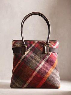 Best 12 Tartan Handbag of Florentine Leather – SkillOfKing. Kate Spade Handbags, Gucci Handbags, Tote Handbags, Fall Plaid, Tartan Plaid, Plaid Purse, Ethno Style, Winter Mode, Fall Winter