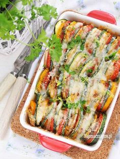 Zapiekanka z pomidorami i cukinią Aga, Fresh Rolls, Zucchini, Vegetables, Ethnic Recipes, Diet, Casserole, Vegetable Recipes, Veggies