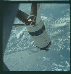 Apolo 7, Hasselblad imagen de el filme magazine 3/M - Orbitando la Tierra
