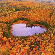 Photo from @LoversDestinations Photo by : © @garry_norris Location : Mauricie, QC, Canada