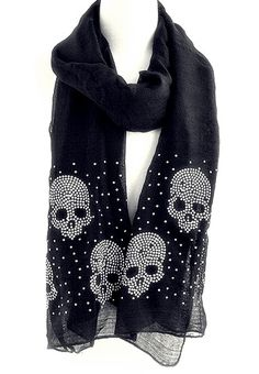 Skulls scarf, would be cute with my skull outfit I have!