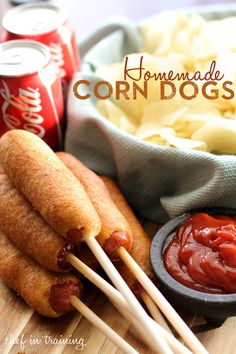 EASY Homemade Corn Dogs from chef-in-training.You will be blown away by how simple and quick these whip up! They are delicious and make the perfect after-school-snack! I Love Food, Good Food, Yummy Food, Tasty, Aperitivos Finger Food, Great Recipes, Favorite Recipes, Cod Recipes, Ramen Recipes