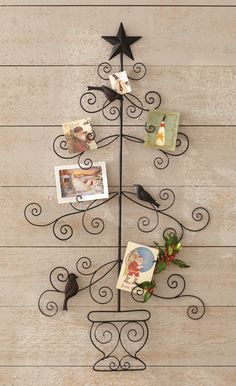 Surround yourself with memories of past holidays and greeting cards with this vintage card holder. #holidays #holiday2013