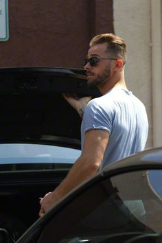 Pro shot of Artem leaving rehearsal studios after group rehearsal 9/9/15 - pic credit: ©AKM-GSI