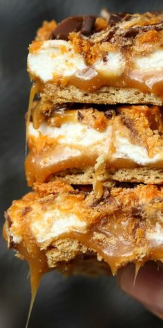 Butterfinger Caramel Bars ~ Gooey, crunchy and easy... A no bake dream!