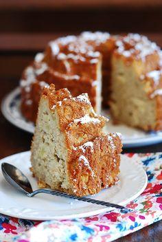 Apple cinnamon bundt cake!