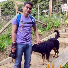 Lukas un amigo de cuatro patas que me acompaña a tomar fotos en el barrio Sol de Oriente comuna 8 de Medellín.