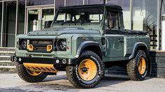 Kahn Design stort zich maar al te graag op Land Rovers Defender. Ditmaal hebben de Britten de pick-upversie besprenkeld met de bekende kruidenmix.