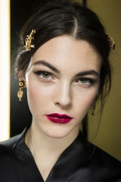 Short on time? Here's how to transform your daytime beauty look for a night out - Vogue Australia