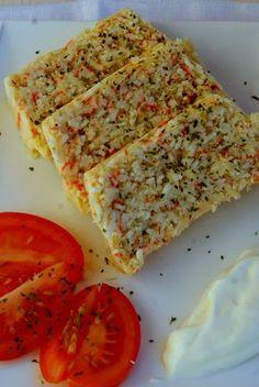 PASTEL DE SURIMI Y QUESO APTO DUKAN THERMOMIX TM 21 (DUKAN) 3 huevos  - 20 palitos de surimi  - 100 grs de leche desnatada  - 3 cucharadas de queso de untar 0%  - sal y pimienta  - ajo molido  - perejil picado