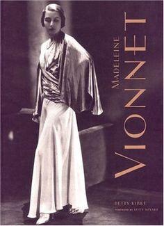Madeleine Vionnet fue la inventora del corte al bies y de hermosos drapeados que hasta hoy en día nadie a conseguido superar.