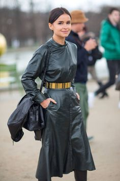 Outfit Inspo: Miroslava Duma x Paris Fashion Week - because im addicted Miroslava Duma, Fashion Week Paris, Miami Fashion, Steampunk Fashion, Gothic Fashion, Cool Street Fashion, Street Chic, Paris Street, Leder Outfits