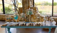 Artista Cakes  Varied cookies and cupcake display