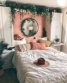 Amazing And Cute Aesthetic Bedroom Design Ideas Is your room less attracti. - Amazing And Cute Aesthetic Bedroom Design Ideas Is your room less attractive? Interior Design Living Room, Living Room Designs, Living Room Decor, Bedroom Designs, Decor Room, Room Decorations, Living Room Bedroom, Girls Bedroom, Room Ideas Bedroom