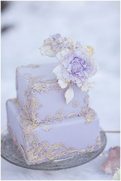 Gorgeous lilac wedding cake with silver detail