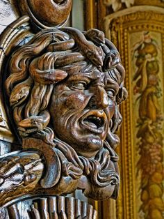 Medusa carved on ornate wood door in Francois I Gallery at Fontainebleau Turn To Stone, Bone Carving, Royal Palace, Old Master, Wood Doors, Les Oeuvres, Wood Art, Sculpting, Lion Sculpture