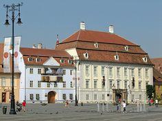 Brukenthal National Museum Sibiu Romania, Freemason, Baroque Fashion, National Museum, Louvre, Mansions, House Styles, Building, Places