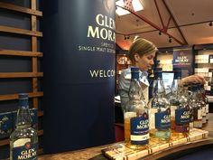 Το ουίσκι μέσα από τα μάτια της Ιωάννας Ντογκαντζή, tour guide στο αποστακτήριο του Glen Moray – Travel and Whisky